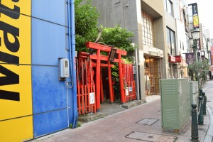 浜松有楽街黒田神社入り口